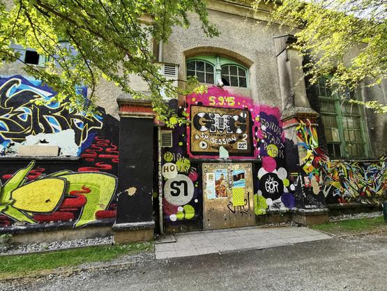 Graffiti auf Hauswand