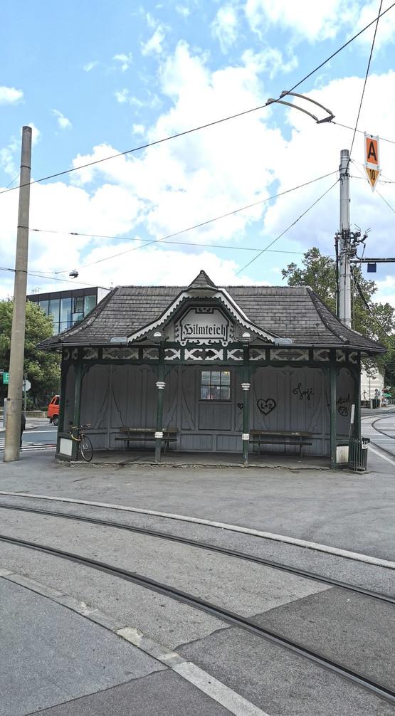 Antike Straßenbahnstation Hilmteich